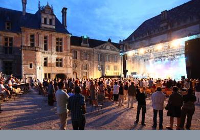Concert en plein air ville de Sens